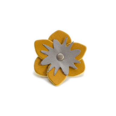Reflective Flower 'Yellow Leather'