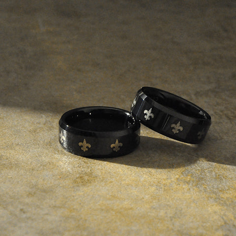 Unisex Black and Gold Fleur-de-Lis Ring