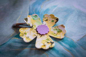 Dainty Floral Easter Clip