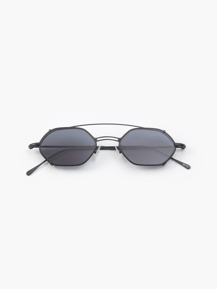 lllesteva / Lola / Matte Black With Grey Flat Lenses