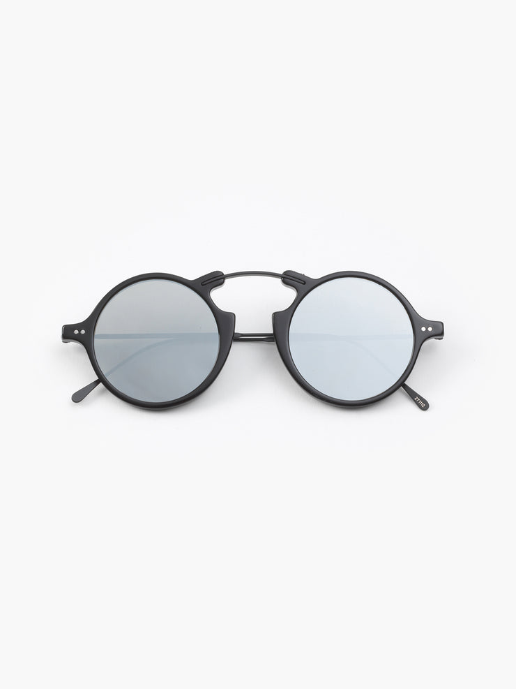 Illesteva / Roma II / Black With Silver Mirrored Lenses