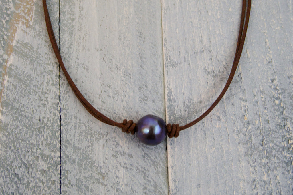 Single Peacock Pearl Necklace