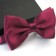 Load image into Gallery viewer, 1Pc Men's Bow Tie Fashion Classic Satin Tuxedo Ties For Men Wedding Party Adjustable Bowtie Butterfly Mens Ties - Gurdeep Singh Cheema's Online Store India & abroad