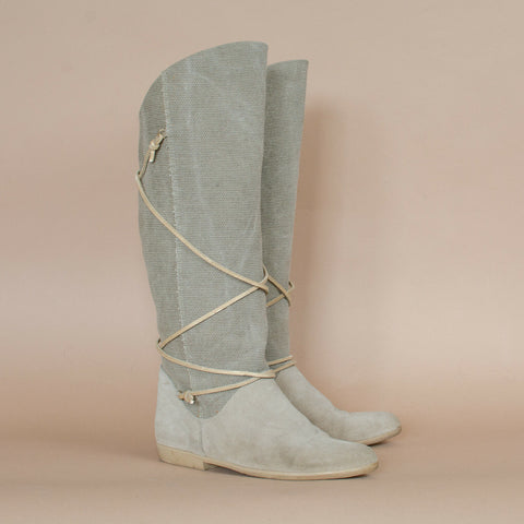 Canvas Boots UK4