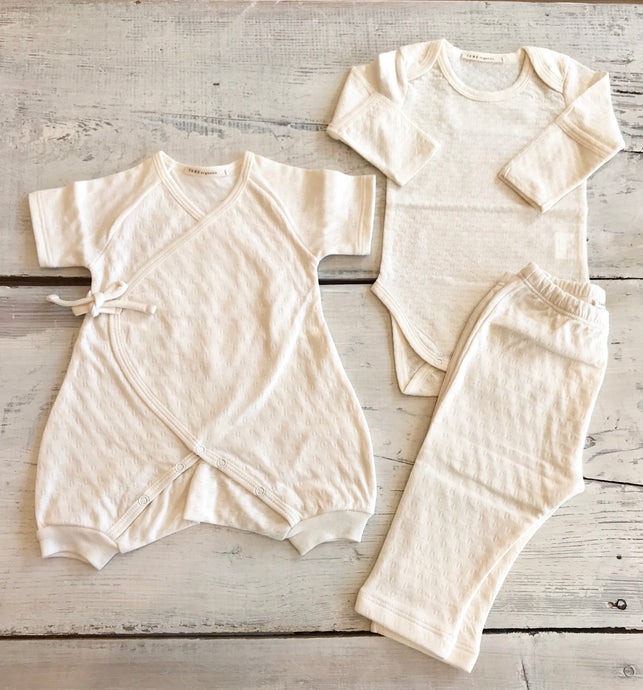 newborn . The layette set . organic cotton . 3 piece . kimono . onsie . pants