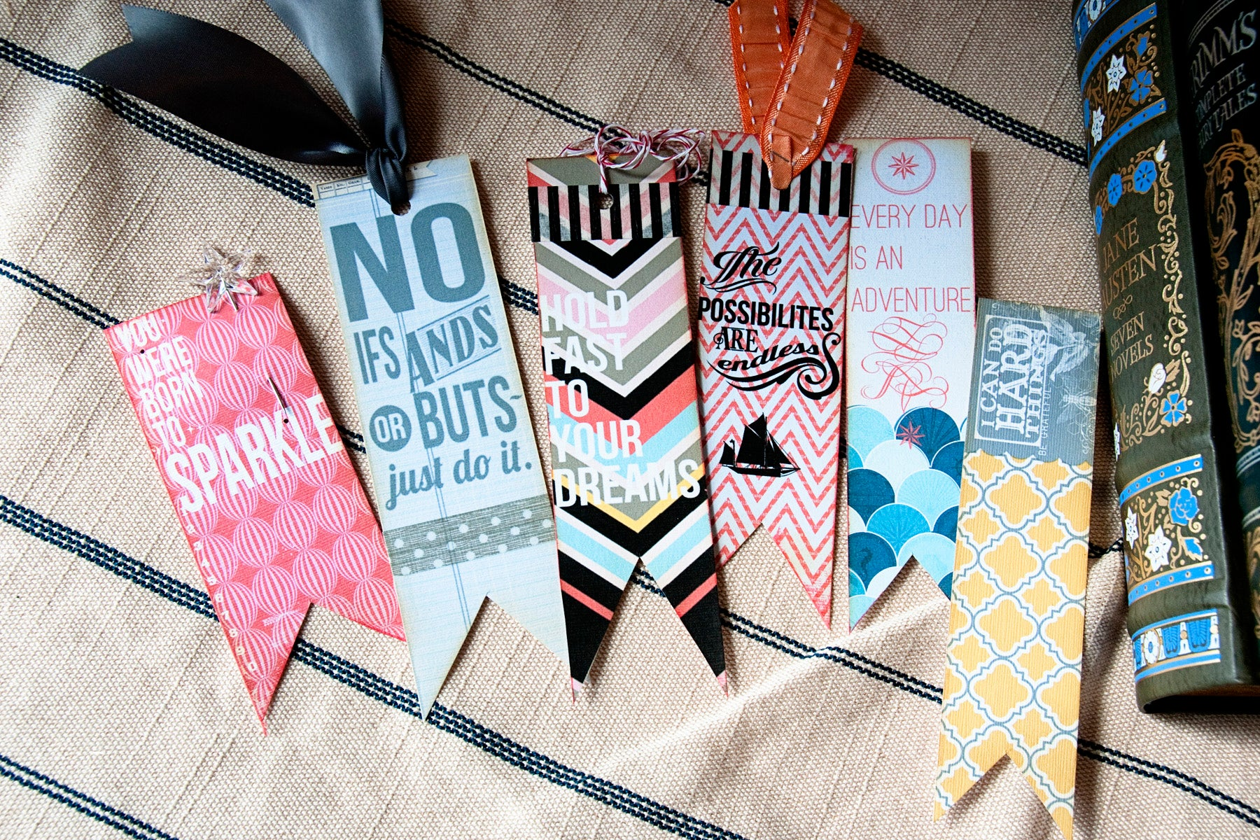 How To Make a Paper BookMarks
