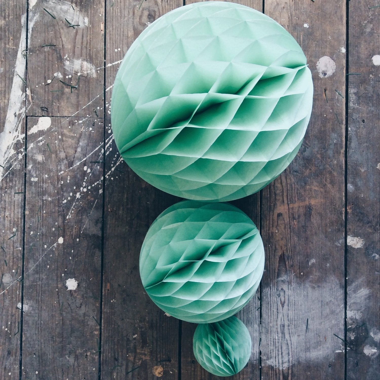 Mint Green Honeycomb Ball - Sunbeauty