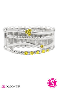 Paparazzi ♥ A Narrow Escape - Yellow ♥ Ring