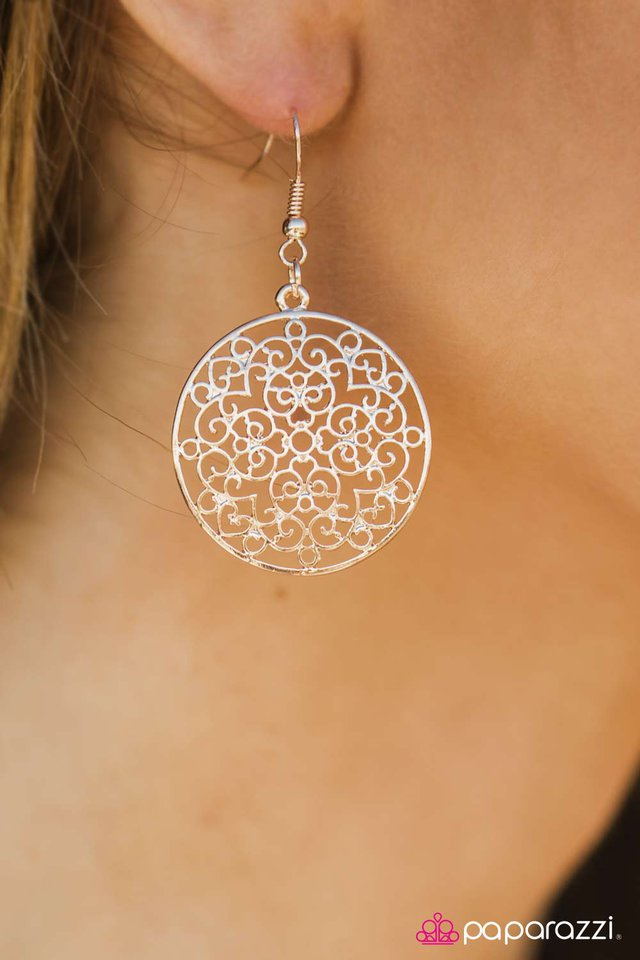 filigree-in-the-details-gold-p5wh-gdxx-035xx