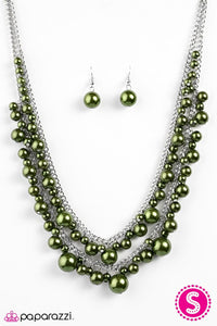 Paparazzi ♥ Nightfall - Green ♥ Necklace