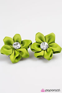 Paparazzi ♥ A Tale of Two Daisies - Green ♥ Hair Clip