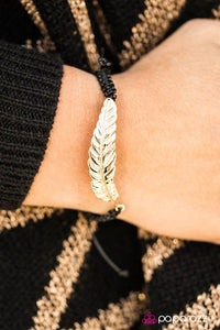 under-the-feather-black-p9se-bkgd-072xx