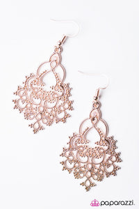 Paparazzi ♥ Hyacinth Haven - Rose Gold ♥ Earrings