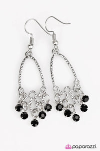 Paparazzi ♥ Twinkling Nights - Black ♥ Earrings