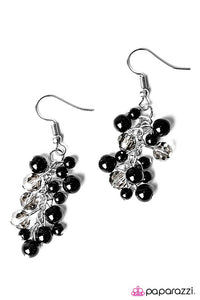 Paparazzi ♥ Irresistible Shimmer - Black ♥ Earrings