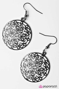 Paparazzi ♥ Fancy Filigree - Black ♥ Earrings
