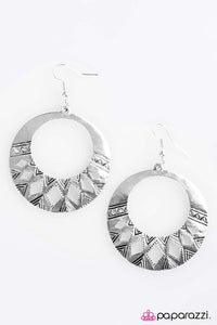 Paparazzi ♥ Welcome To The Amazon - Silver ♥ Earrings