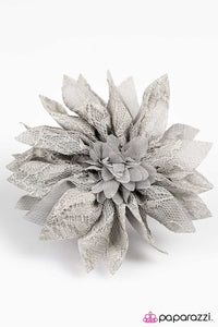 Paparazzi ♥ Standing BLOOM Only - Silver ♥ Hair Clip