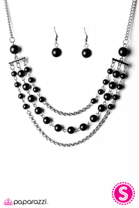 Paparazzi ♥ Dressed For Success - Black ♥  Necklace