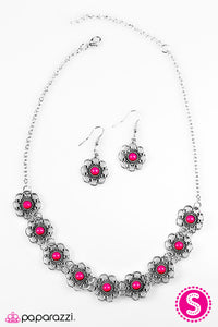 Paparazzi ♥ The Garden Life - Pink ♥  Necklace