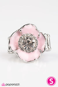 Paparazzi ♥ Midnight Blossoms - Pink ♥  Ring