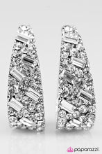 Load image into Gallery viewer, Paparazzi ♥ Glitter Champ - White ♥ Earrings