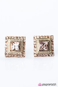 Paparazzi ♥ Let Me Entertain You - Gold ♥ Post Earrings