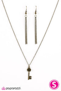 Paparazzi ♥ Best Kept Secret - Brass ♥ Necklace