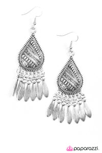 Paparazzi ♥ Chime Rhyme - Silver ♥  Earrings