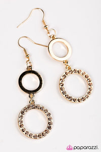 Paparazzi ♥ Classy and Bubbly - Gold ♥ Earrings