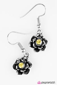 Paparazzi ♥ Where The Flowers Bloom - Yellow ♥ Earrings