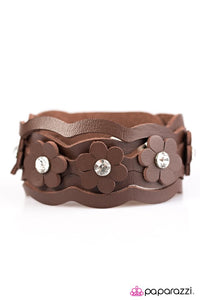 Paparazzi ♥ DAISY In Love - Brown ♥ Bracelet