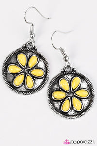 Paparazzi ♥ Bet Your Bottom SAND-Dollar - Yellow ♥ Earrings