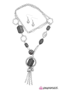 Paparazzi ♥ Gray Matter ♥ Necklace