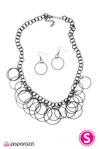Paparazzi ♥ Get In the Ring - Black ♥ Necklace