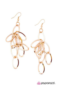 Paparazzi ♥ Picture Perfect - Gold ♥ Earrings