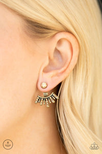 Paparazzi ♥ Diva Dynamite - Brass ♥ Post Earrings