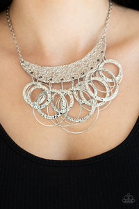 Paparazzi ♥ Metro Eclipse - Silver ♥  Necklace