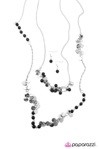 Paparazzi ♥ Lost In Reverie- Black ♥ Necklace