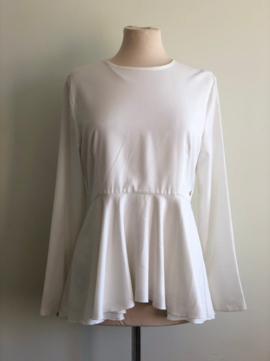 Elisia Waterfall Top in Basic White