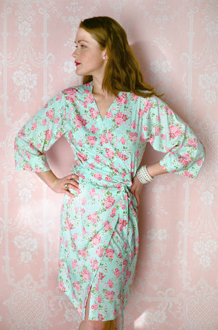 Limited Edition. Amarie. Short robe in Crepe de Chine. Small.