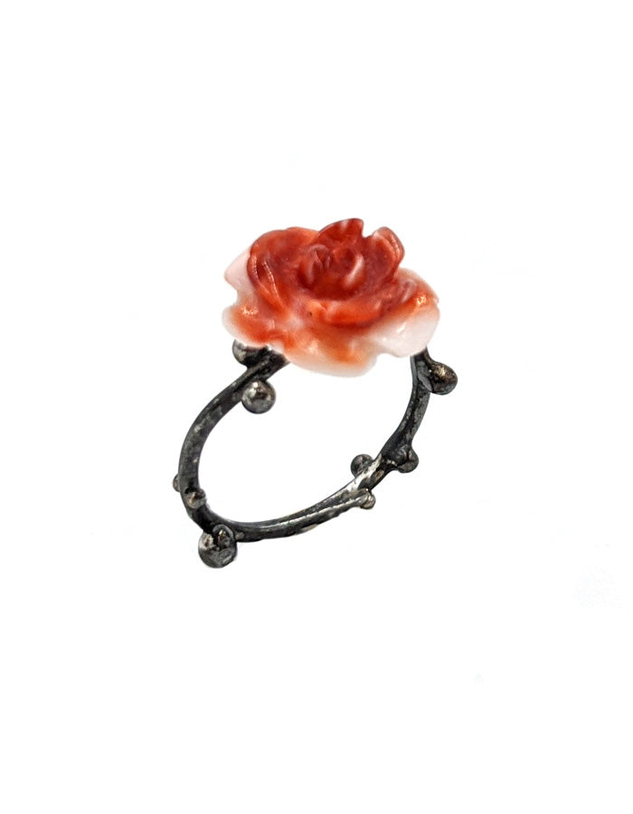 Rosebuds Midi Ring with Spiny Shell Flower