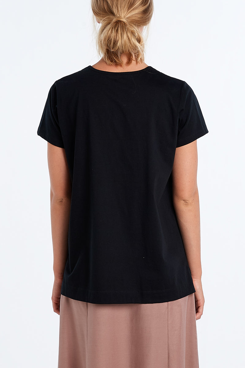 ABSTRACT T-SHIRT | BLACK - NYNE - NZ Made Women's Clothing