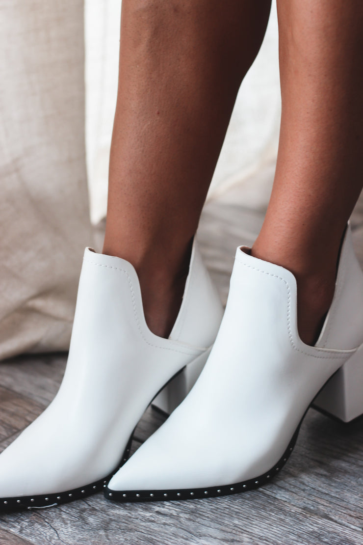 Heading That Way Bootie - White