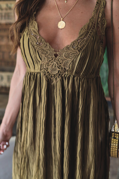 The Nova Scalloped Cropped Knit