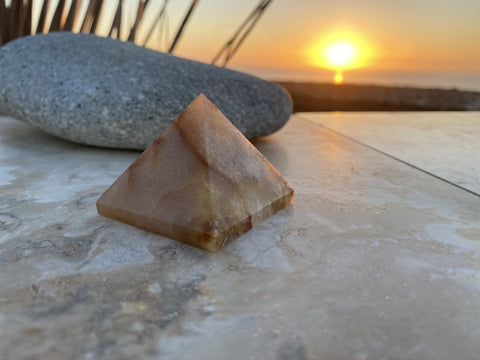 Cherry Agate Pyramid (Size: Medium) - pyramids