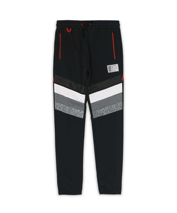 SNEAKERS SWEATPANTS
