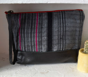 Aquinnah Grey Moon Pouch in Black Leather