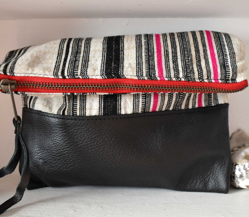 Aquinnah Clutch in Black Leather
