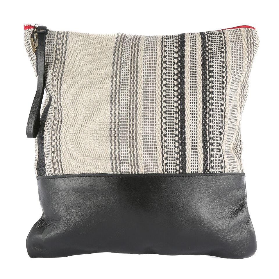Nantucket Large Clutch in Black Leather